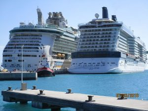 Celebrity Eclipse und Freedom of the Sees in Philippsburg, St. Maarten
