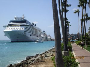 Celebrity Eclipse u. a. in Oranjestad, Aruba